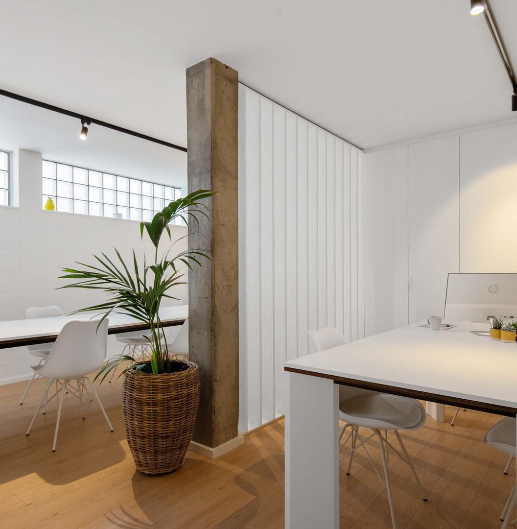 Flex-office, opslagplaats en een studeerplek in Merksem